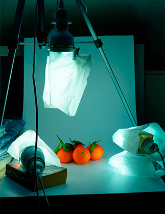 use strobes and artificial light to photograph food