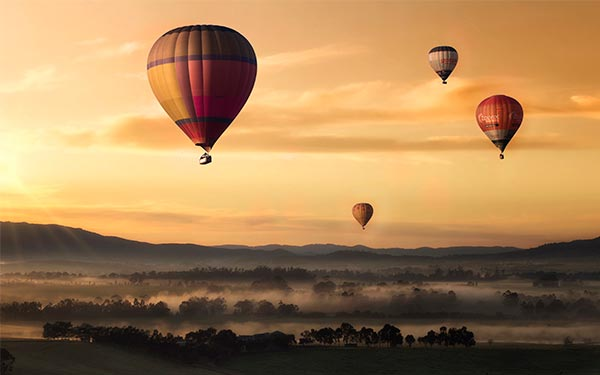 photo of hot air balloon landscape cropping aspect ratio