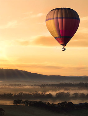 photo of hot air balloon portrait orientation composition tip cropping aspect ratio